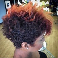 Stylist naturally curly haircuts ideas 45