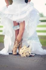 Vintage wedding outfit with country boots 1