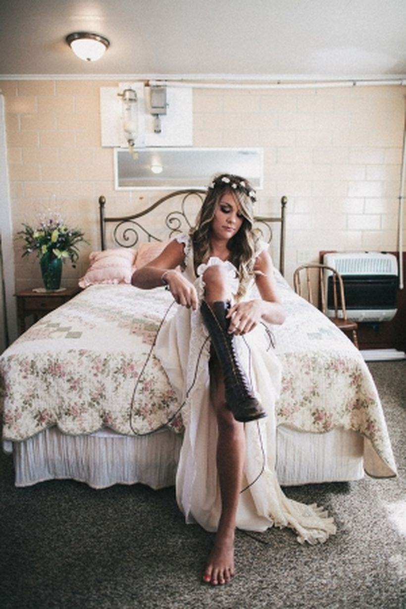 Vintage wedding outfit with country boots 40