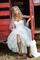 Vintage wedding outfit with country boots 68