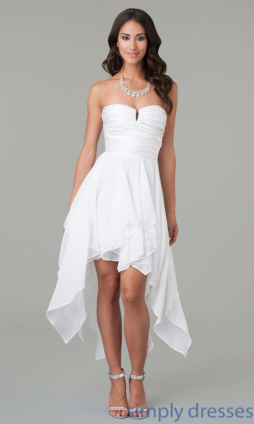 Amazing white short dresses ideas for party outfits 42