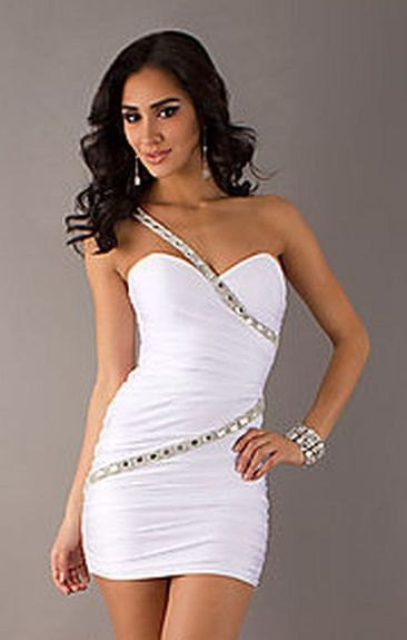 Amazing white short dresses ideas for party outfits 44