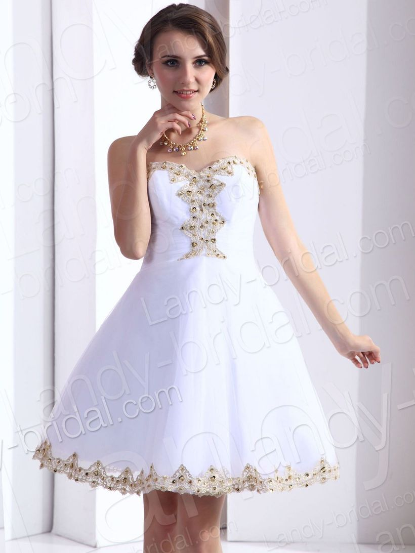 Amazing white short dresses ideas for party outfits 9