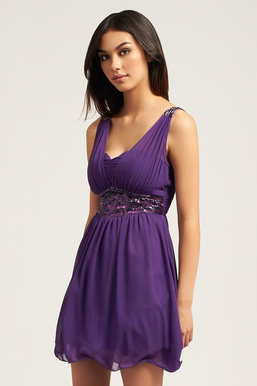 Awesome teens short dresses ideas for graduation outfits 133