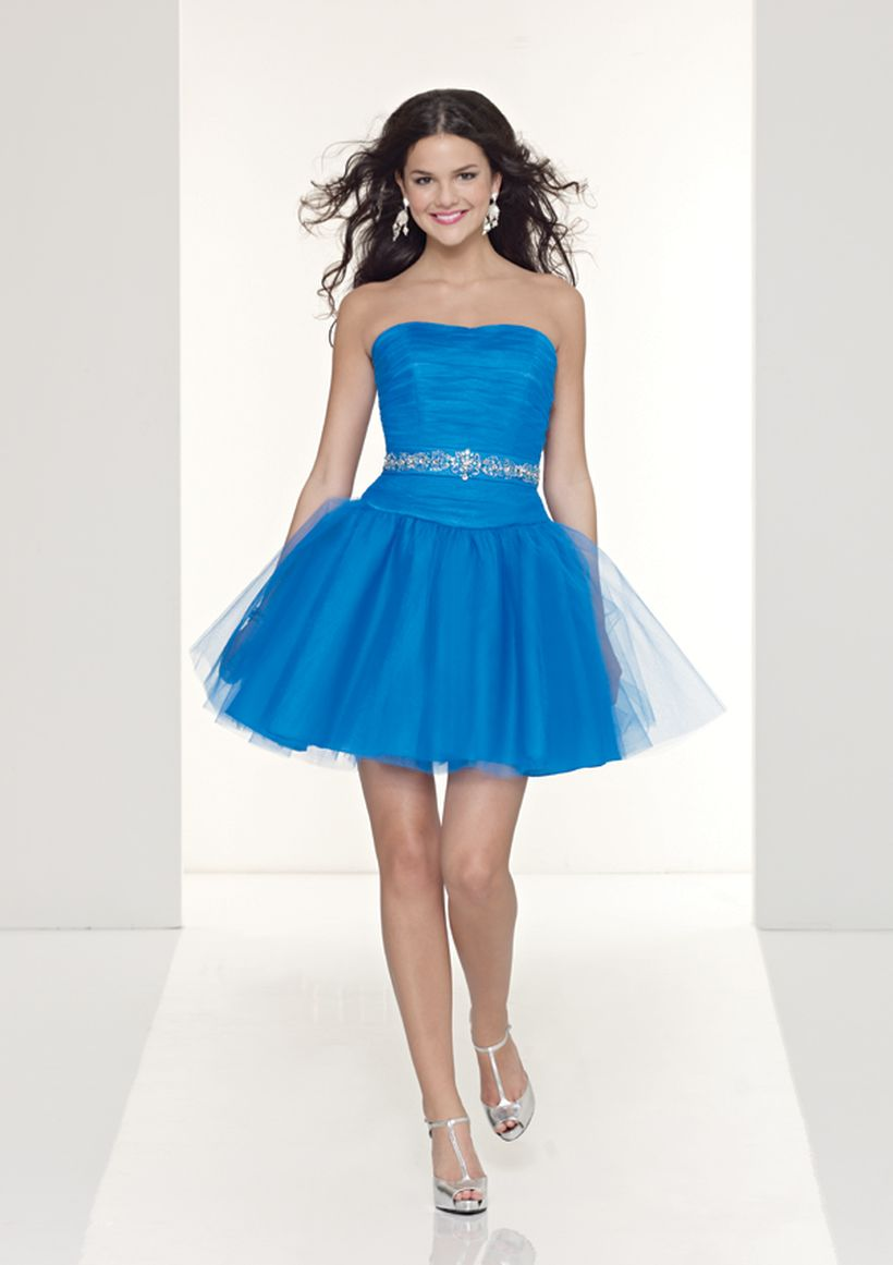Awesome teens short dresses ideas for graduation outfits 202