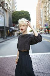 Cool short pixie blonde hairstyle ideas 1