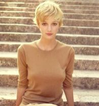 Cool short pixie blonde hairstyle ideas 113