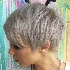 Cool short pixie blonde hairstyle ideas 121
