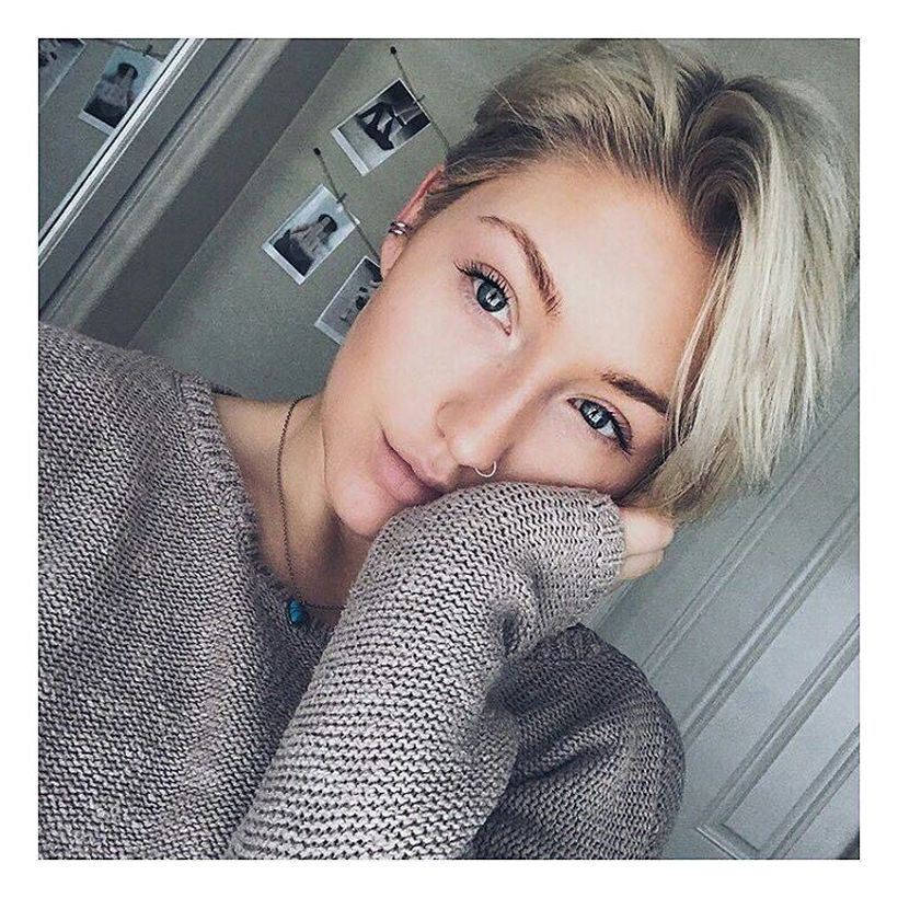Cool short pixie blonde hairstyle ideas 138