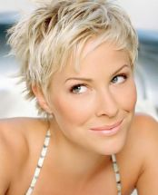 Cool short pixie blonde hairstyle ideas 141