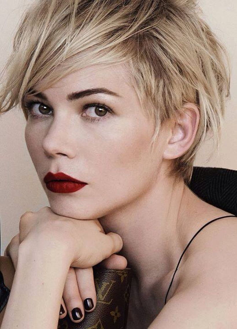 Cool short pixie blonde hairstyle ideas 16