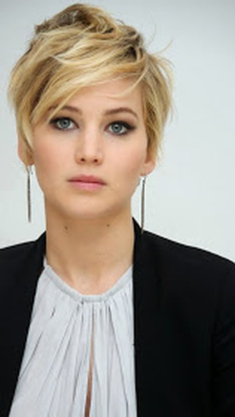 Cool short pixie blonde hairstyle ideas 43