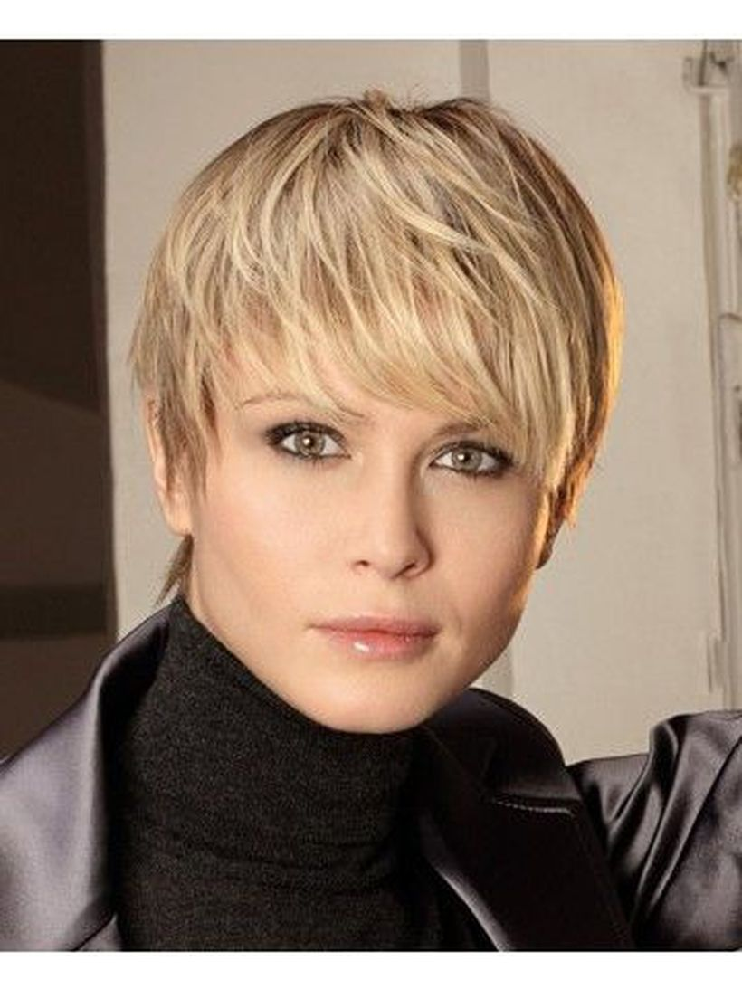 Cool short pixie blonde hairstyle ideas 76