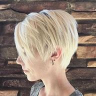 Cool short pixie blonde hairstyle ideas 95