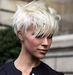 Cool short pixie blonde hairstyle ideas 98