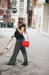 Fashionable maternity outfits ideas for summer and spring 105