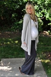 Fashionable maternity outfits ideas for summer and spring 118