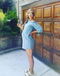 Fashionable maternity outfits ideas for summer and spring 119