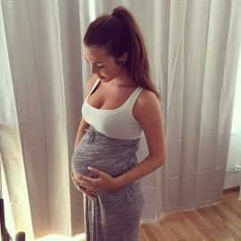 Fashionable maternity outfits ideas for summer and spring 121