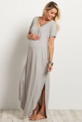 Fashionable maternity outfits ideas for summer and spring 15