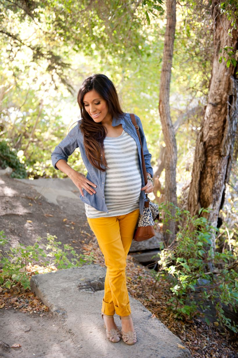 Fashionable maternity outfits ideas for summer and spring 21