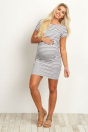 Fashionable maternity outfits ideas for summer and spring 80