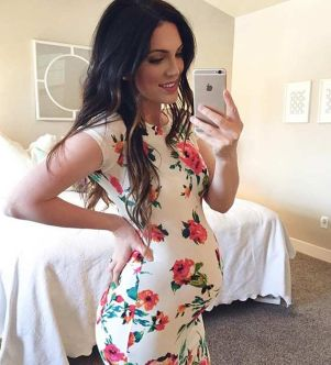 Fashionable maternity outfits ideas for summer and spring 89