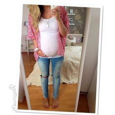 Fashionable maternity outfits ideas for summer and spring 93