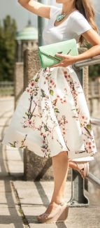 Fashionable skirt outfits ideas that you must try 40