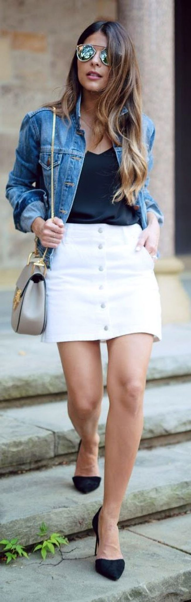 Fashionable white denim skirt outfits ideas 19