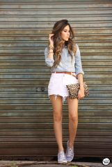 Fashionable white denim skirt outfits ideas 36
