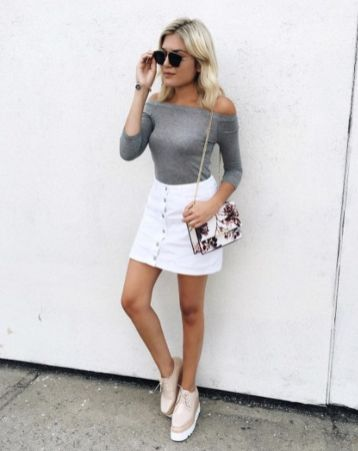 Fashionable white denim skirt outfits ideas 5