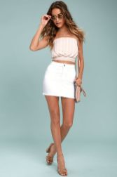 Fashionable white denim skirt outfits ideas 9