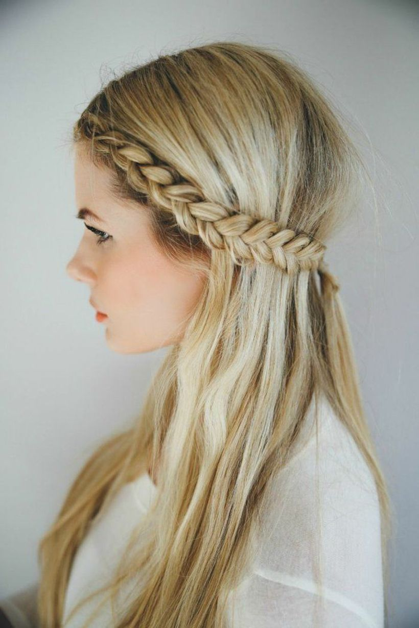 Gorgeous rustic wedding hairstyles ideas 21