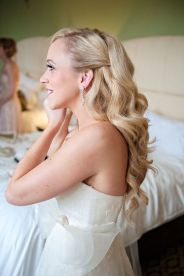 Gorgeous rustic wedding hairstyles ideas 30