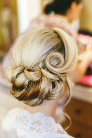 Gorgeous rustic wedding hairstyles ideas 38
