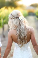Gorgeous rustic wedding hairstyles ideas 42