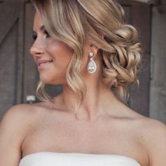 Gorgeous rustic wedding hairstyles ideas 62