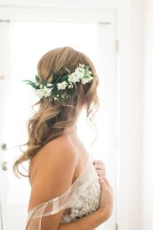 Gorgeous rustic wedding hairstyles ideas 92