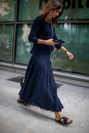 Inspiring simple casual street style outfits ideas 3