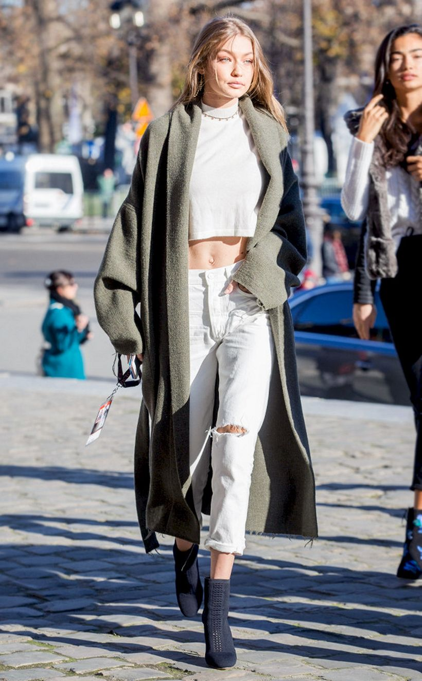 Inspiring simple casual street style outfits ideas 33