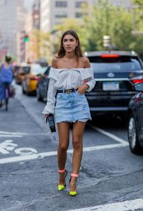 Inspiring simple casual street style outfits ideas 34
