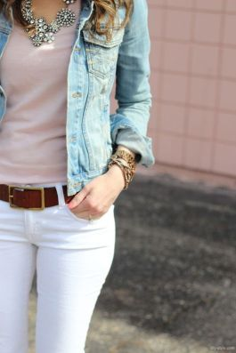 Perfect ways to wear white denim jeans outfits 21