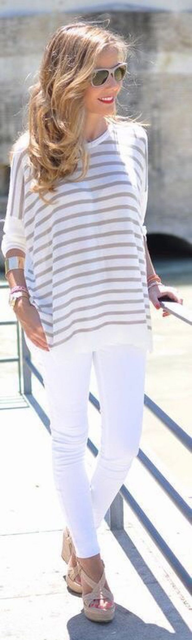 Perfect ways to wear white denim jeans outfits 83