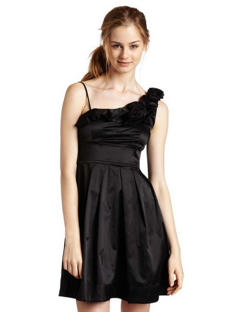 Stunning black short dresses outfits for party ideas 88