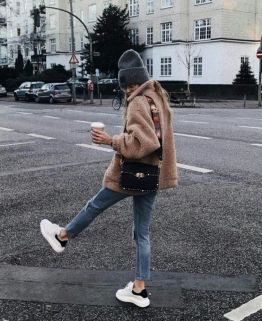 Fashionable outfit style for winter 2017 76