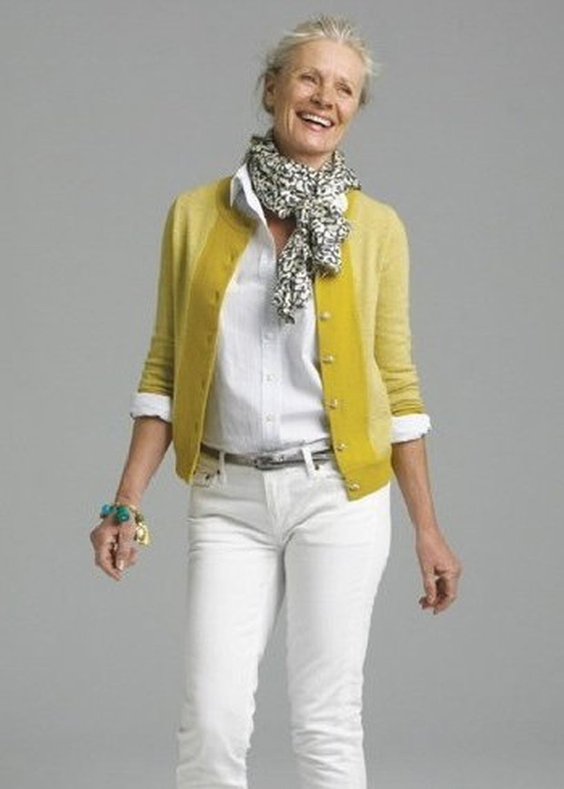 Fashionable over 50 fall outfits ideas 136