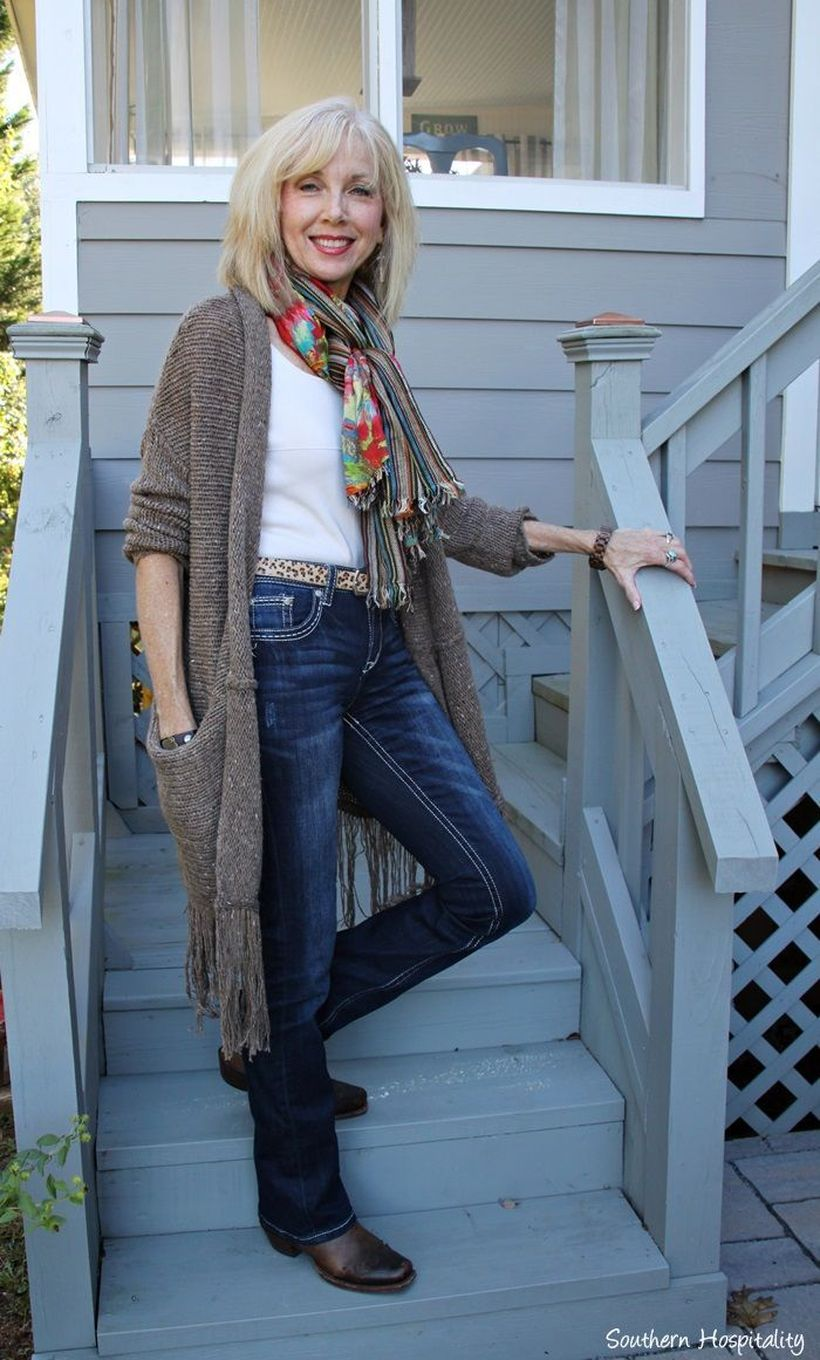 Fashionable over 50 fall outfits ideas 139