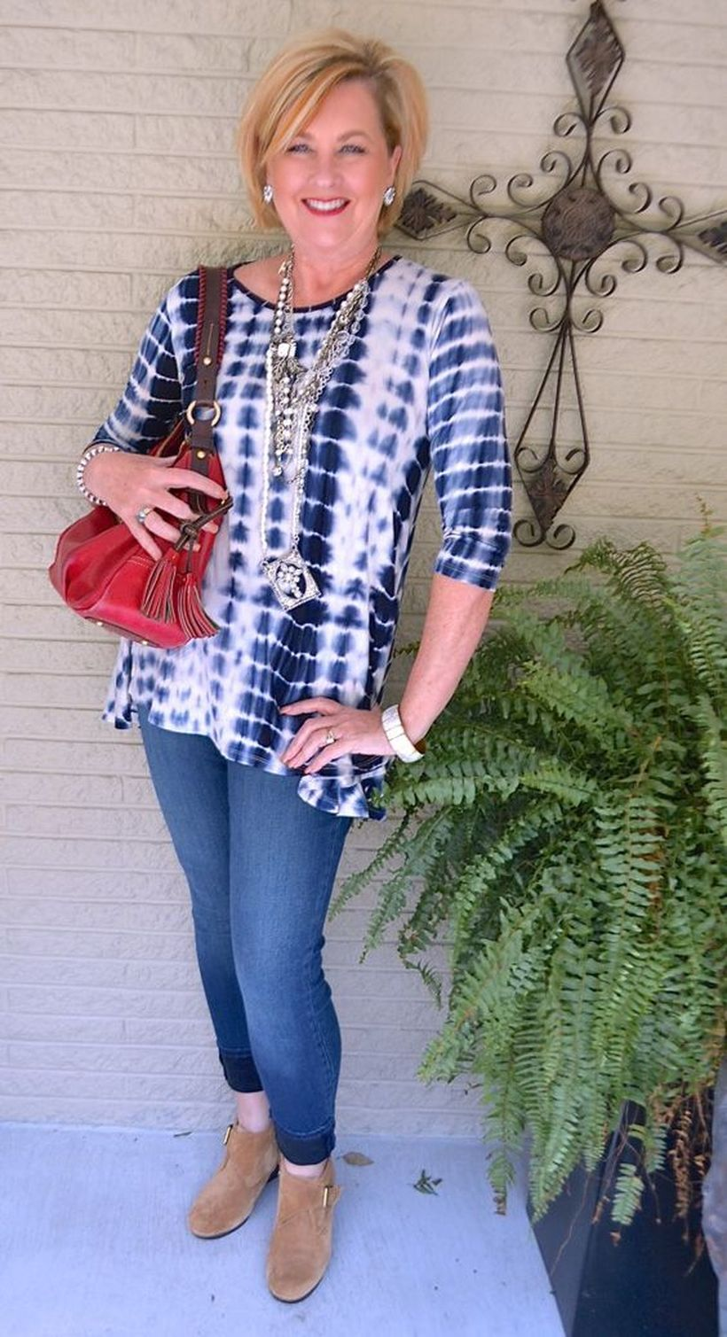 Fashionable over 50 fall outfits ideas 19