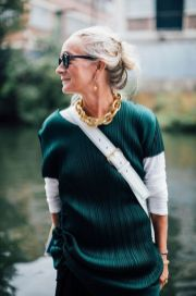 Fashionable over 50 fall outfits ideas 31